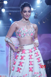 Kiara Advani walks the ramp showcasing the collection of label Papa Dont Preach by designer Shubhika during the Bombay Times Fashion Week 2018 ~ Exclusive 006