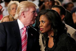 Trump un 'racista, fanático y misógino', asegura excolaboradora de la Casa Blanca