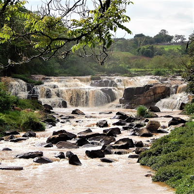 O município de Socorro é cortado pelo Rio do Peixe, sendo rico em cachoeiras que favorecem o turismo rural e a prática de esportes radicais.