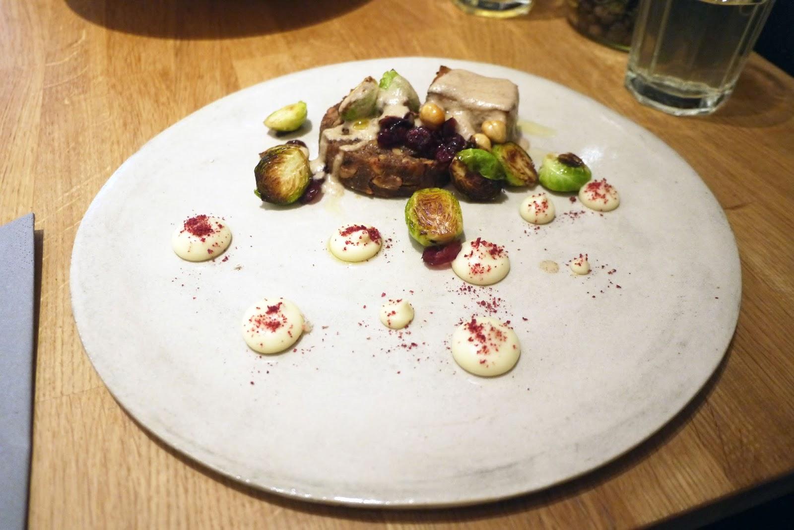 Hef\'s Kitchen: Acorn Vegetarian Kitchen, Bath