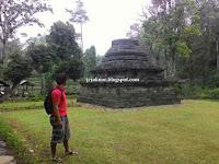 Candi Sumberawan ( Candi Unik Dengan Bentuk Stupa )
