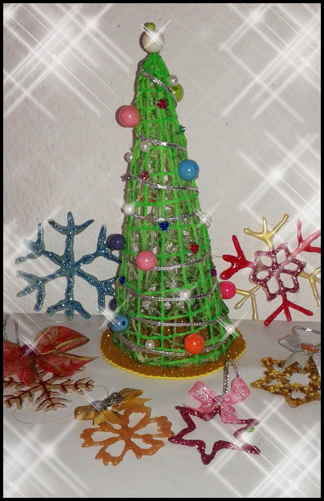 El rincon de angela diy como hacer un arbol de navidad for Como hacer un arbol de navidad original