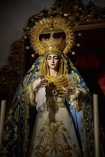 La Virgen de la Salud de San Gonzalo estrena nuevo manto bordado