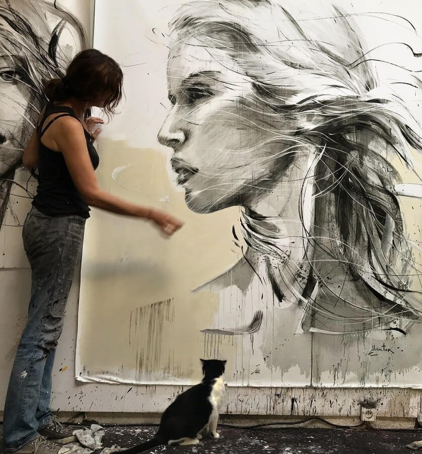 13-Large-Format-Oil-Paintings-and-Charcoal-Drawings-www-designstack-co