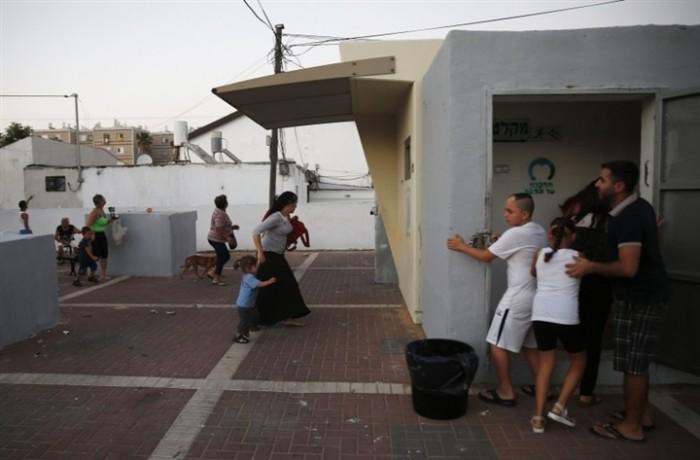 هروب جماعي للإسرائيليين وإغلاق المدارس خوفا من صواريخ غزة صور