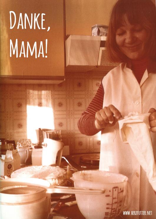 Mama in den 1970er Jahren beim Backen