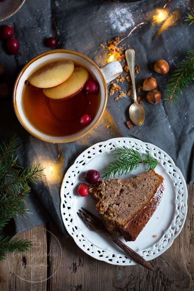 babka orzechowo-kawowa z orzechową chrupiącą kruszonką