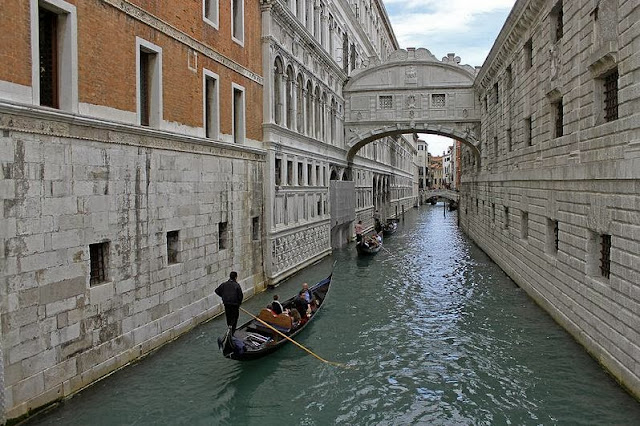 Gondolas Under Bridge Of Sighs, Venice