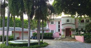 Fachada de la mansion de Pablo Escobar en Miami