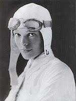 Amelia Earthart. Mujeres que hacen la historia