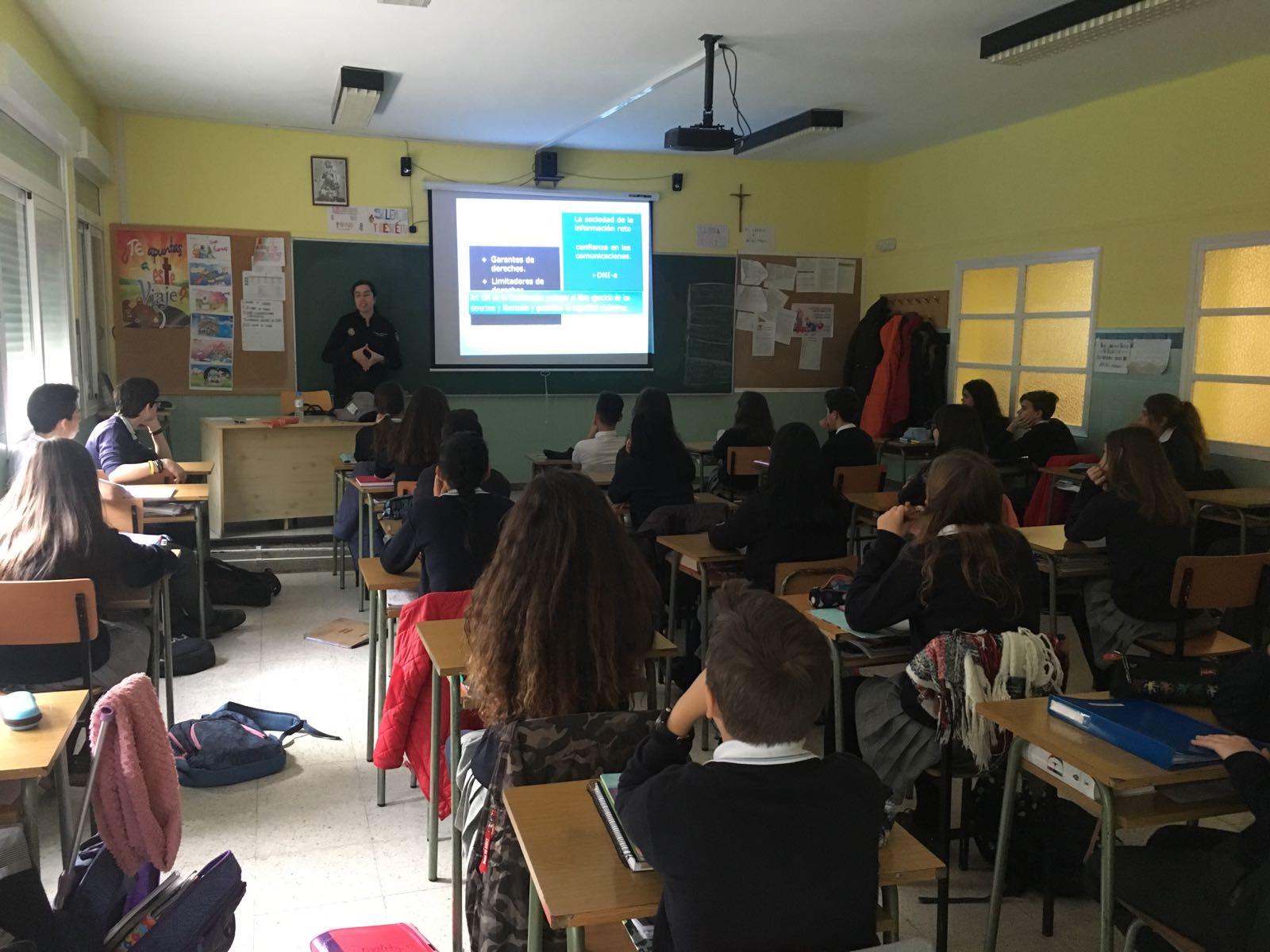Agustinas Valladolid - 2017 - ESO2 - Prevención Riesgos Internet