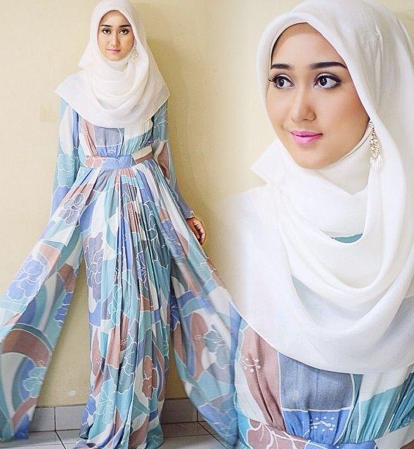 Koleksi Dress Muslim Masa Kini Dian Pelangi