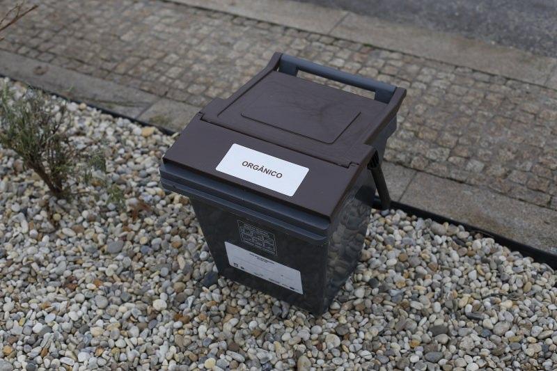 Contentor para recolha de resíduos orgânicos