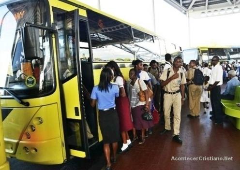 Evangelizando en autobuses
