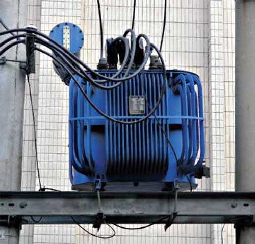 Instalaciones eléctricas residenciales - Transformador en línea de transmisión