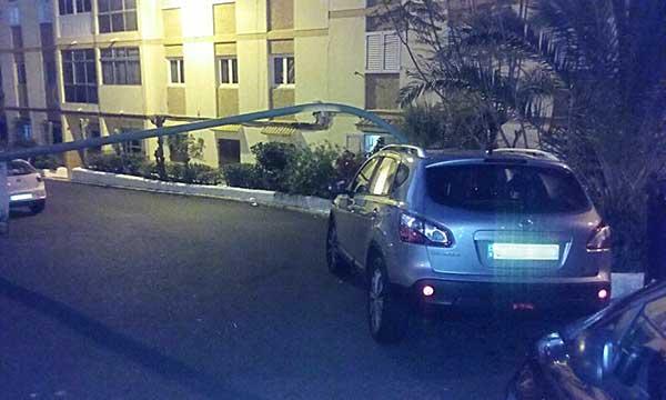 Farola cae dentro de un coche, Las Palmas de Gran Canaria