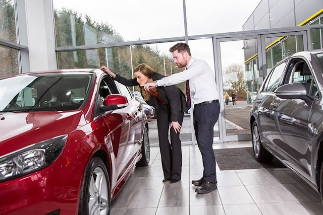 What You Should Consider Before Buying a Secondhand Luxury Car