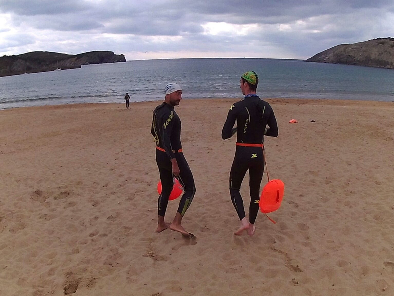2820359c917b Test de boyas de natacion SwimSecure Donut y Selfie - QUITTERS NEVER WIN