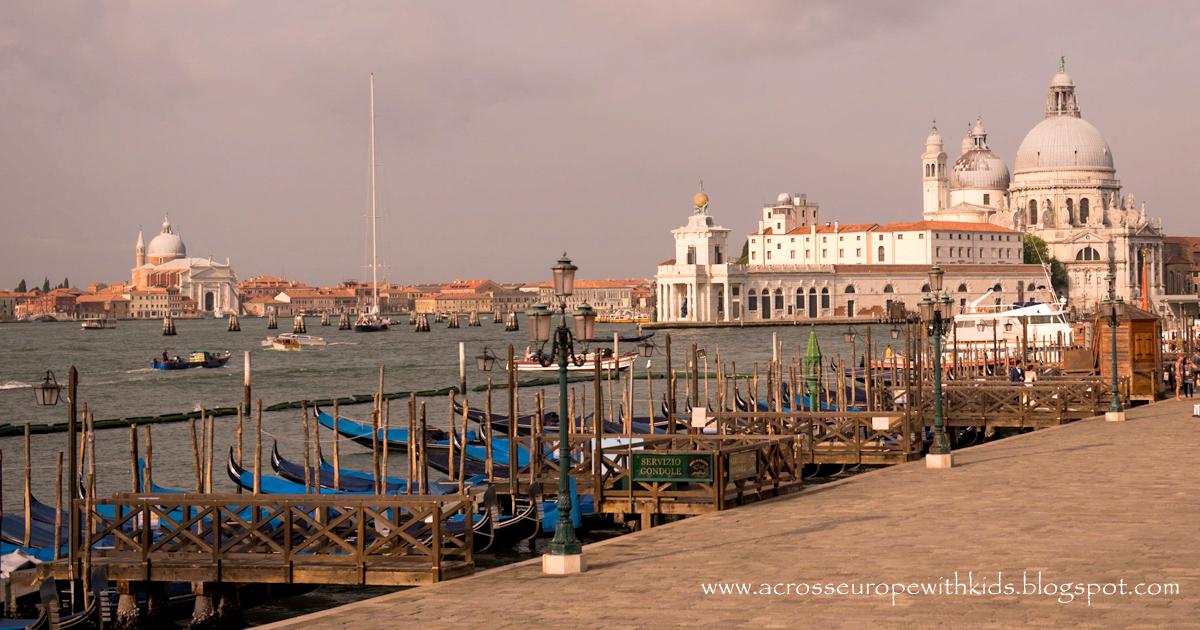 Wenecja praktycznie: tramwaje wodne