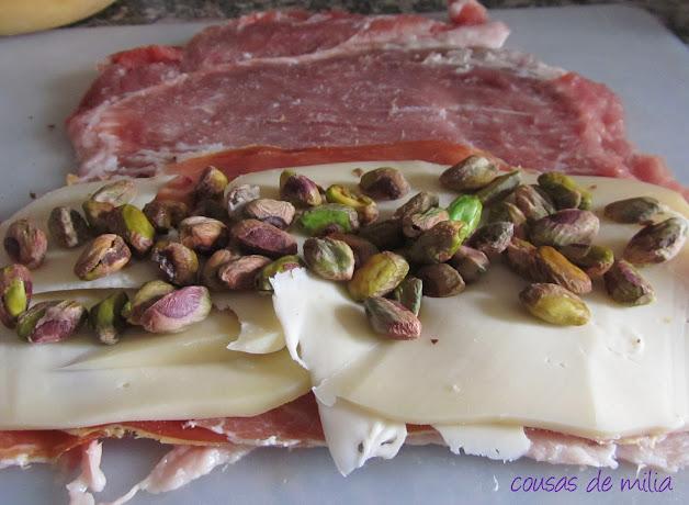 Secreto Ibérico relleno, salsa barbacoa y crunck de manzana