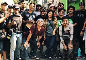 Tissa Biani Bersama Crew TOP