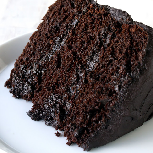 Delicious Chocolate Cake Recipe for Christmas Day 2018