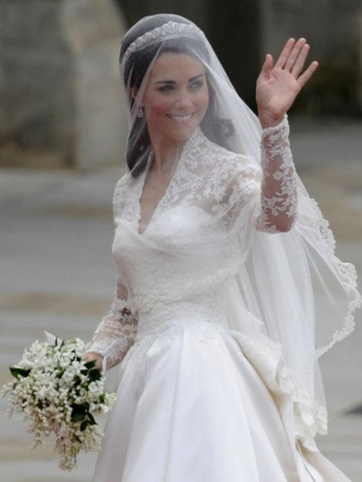 kate middleton wedding dress sarah burton 3 - Duchess Kate Wedding