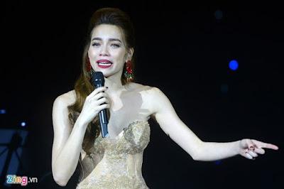 MC Phan Anh ủng hộ đồng bào miền Trung 500 triệu đồng