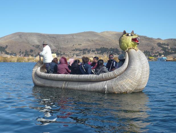 imbarcazione degli Uros