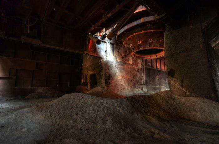 Abandoned Steel Plant (23 Pics)