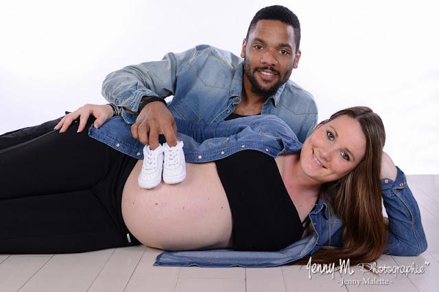 séance photo en attendant bébé , bidon tout rond, future maman
