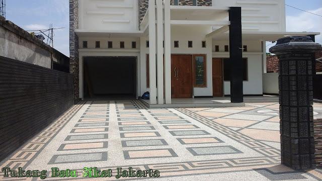 lantai carport batu sikat motif diagonal/kotak kotak