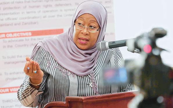 Mama Samia: Licha ya Wadhifa Nilionao Nikifika Nyumbani Nampigia Goti Mume Wangu kwa Unyenyekevu Kuimarisha Mapenzi