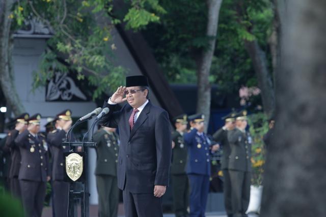 Rektor Unsyiah Inspektur Upacara Hari Pahlawan