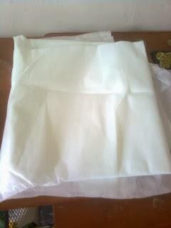 kain viselin (kain keras berperekat bila di setrika) untuk sarung bantal dari kain perca