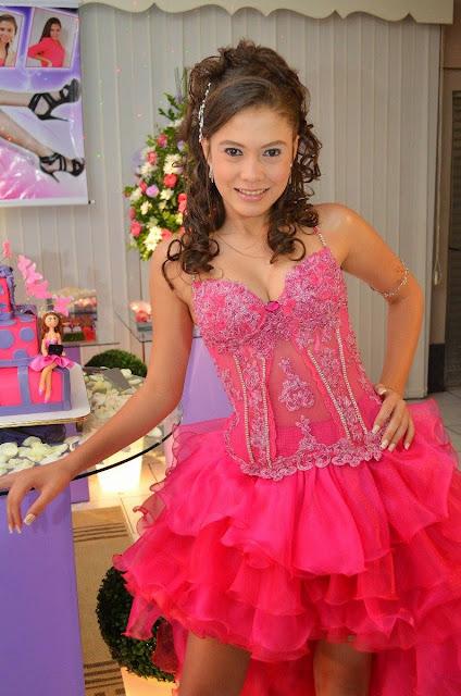 modelo de vestido de 15 anos curto