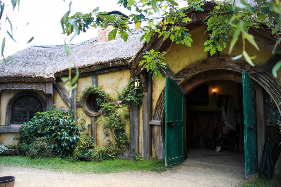 ink + adventure: Hobbiton tour: a journey to The Shire