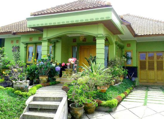 Gambar teras rumah minimalis modern dengan tema hijau