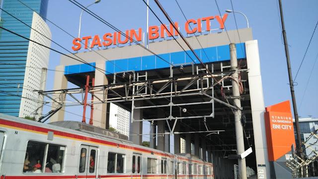 Review Kereta Bandara Soetta dan Stasiun BNI City Indonesia
