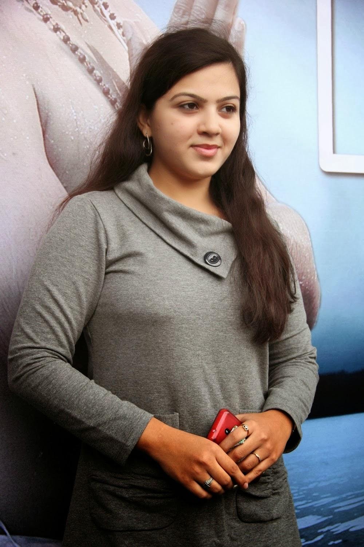 Kerala Cute Girls Photos For Facebook Profile Post -1319