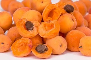 manfaat-buah-apricot-bagi-kesehatan,www.healthnote25.com