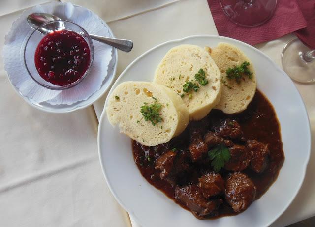 Gasthof zur Waldbahn, Zwiesel, venison ragout, cranberries