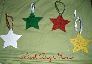 http://mixedbagmama2013.blogspot.com/2015/12/diy-christmas-ornament-round-up-for.html
