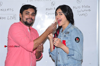 Vidyut Jamwal Adah Sharma Commando 2 Movie Team at Radio Mirchi 95  0038.jpg