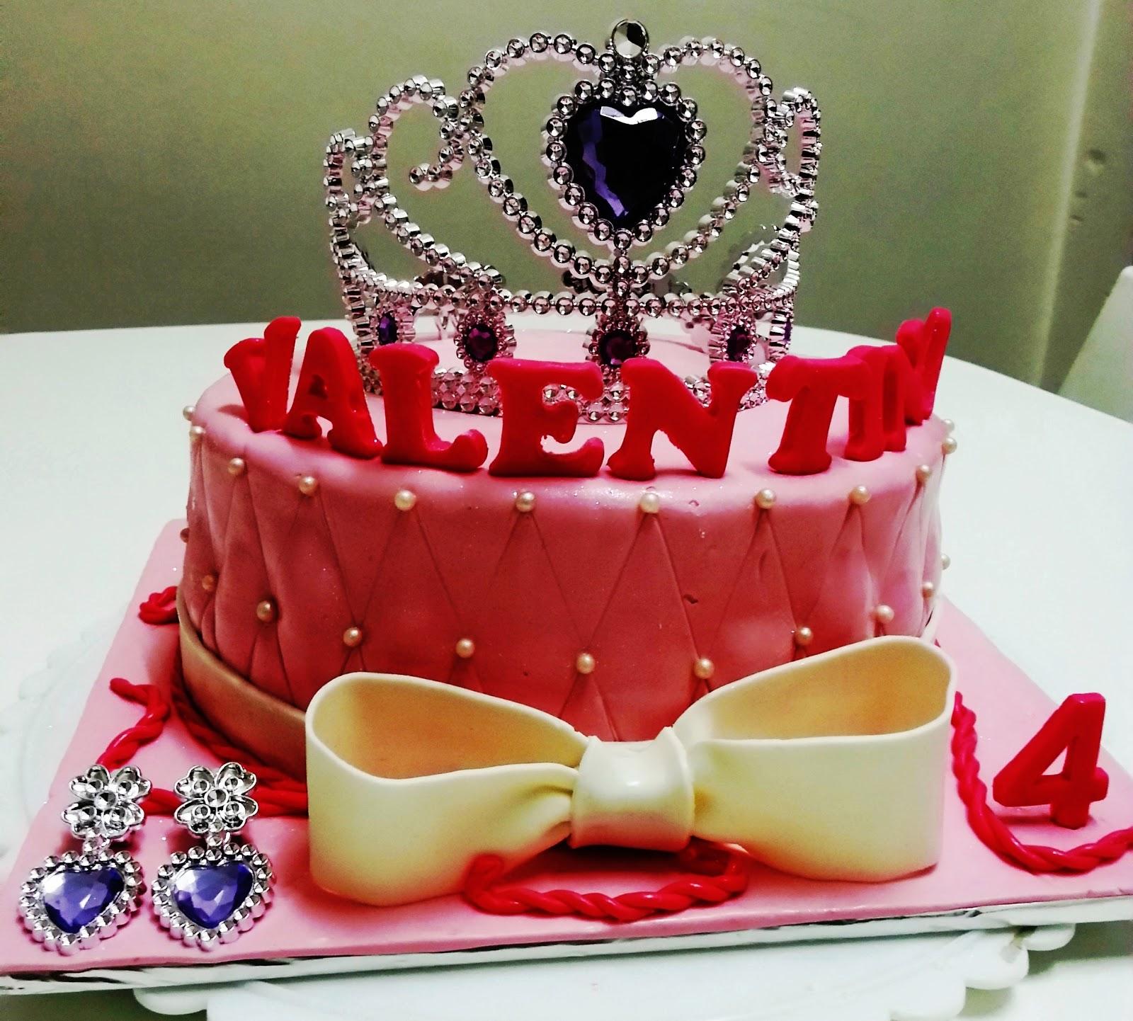T Cakes Tiara Valentina