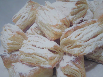 Salenjaci tete Rezike / Flake pads with jam