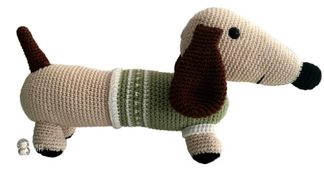 Perrito salchicha amigurumi