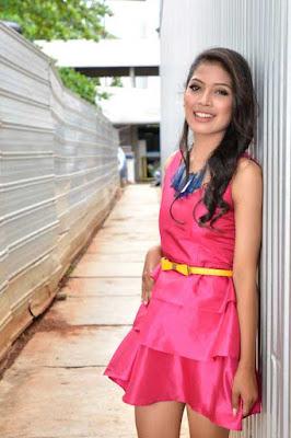 5 Gadis Cantik Penjual yang Buat Heboh Indonesia