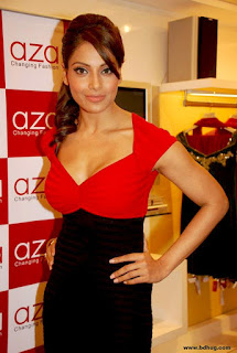 Bipasha Basu Bollywood Actress Biography, Movies List, Sexy Photos