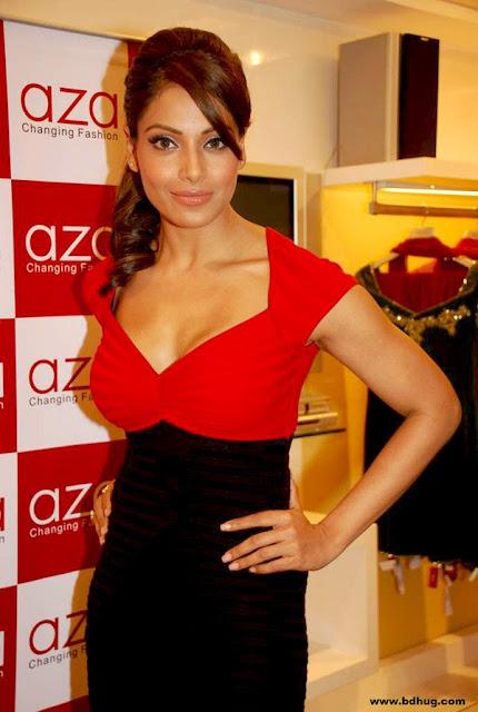 Bipasha Basu Bollywood Actress Biography, Movies List, Sexy Photos